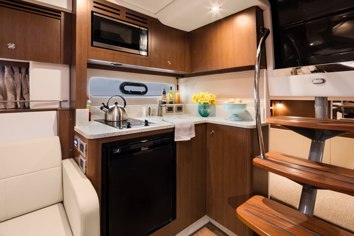 Sea Ray Sundancer 350 Coupe Boat Connection