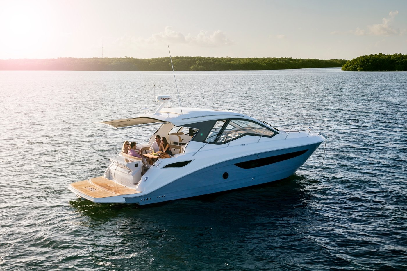 Sea Ray Sundancer 350 Coupe - Boat Connection